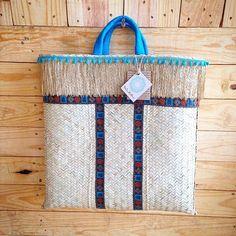 """Venha para a @brandsmarketingdesign e encontre uma bolsa de palha customizada para chamar de sua!!! As """"itbags"""" da estação, além das Clucthes de palhas mais tops para o verão estarão na @lindamoliva na nossa 1a. Edição de Natal!!! Vem para Brands!!! #brandsmarketingdesign #lindamoliva #euusolindamoliva #moda #fashion #rio #riodejaneiro #errejota #recreio #vemparabrands #verão16 #vemverão #summer #summer16 #showroom #look #lookdodia #bolsadepalha #bolsasdepalha #bolsadepraia #modapraia"""