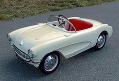 "1957 ESKA ""KIDDIE CORVETTE"" PEDAL CAR. ...SealingsAndExpungements.com... 888-9-EXPUNGE (888-939-7864)... Free evaluations..low money down...Easy payments.. 'Seal past mistakes. Open new opportunities.'"