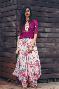 Floral Dotti Dress with Plum Peplum – Issa Studio Kurti Designs Party Wear, Kurta Designs, Blouse Designs, Indian Designer Outfits, Indian Outfits, Designer Dresses, Indian Fashion Trends, Ethnic Fashion, 80s Fashion