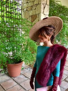 Fur Fashion, Fashion Dresses, Ladies Day Outfits, Made Of Honor, Special Occasion Outfits, Wearing A Hat, Soft Summer, Wedding Looks, Timeless Fashion