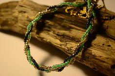 Collier tressé de perles de rocaille argent, noir brillant & vert d'eau by Golden Bat // Shop>> https://www.etsy.com/fr/listing/227174076/collier-tresse-de-perles-de-rocaille?ref=listing-shop-header-2