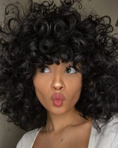 30 Hairstyles you should try, at least once, if you're a girl with curly hair - Frisuren Haircuts For Curly Hair, Short Wavy Hair, Curly Hair Cuts, Hairstyles With Bangs, Pretty Hairstyles, Braided Hairstyles, Curly Hair Styles, Natural Hair Styles, Spring Hairstyles