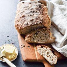 Koldhævet morgenbrød uden surdej! - den bedste opskrift - Grødgrisen Fun Baking Recipes, Bread Recipes, Snack Recipes, Snacks, Savoury Baking, Bread Baking, Food Crush, What To Cook, I Love Food