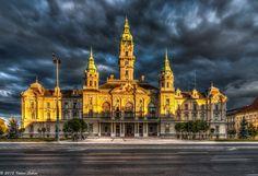 City Hall in Győr, Hungary ✯ ωнιмѕу ѕαη∂у