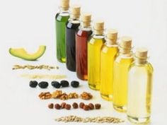 Oils are essential for operations of our body. Here are some best known natural oils and cocktails for improving hair health and hair growth. Of course you should be careful not to overdo it and ju… Curly Hair Tips, Natural Hair Tips, Natural Hair Growth, Natural Oils, Natural Hair Styles, Natural Products, Natural Beauty, Hair Care Oil, Hair Growth Oil