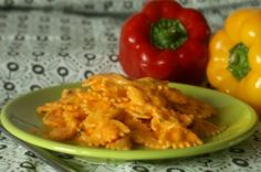 Farfalle con crema ai peperoni bimby Pesto, Risotto, Aglio, Stuffed Peppers, Chicken, Vegetables, Don't Forget, Food, Cream