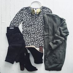 Floral Shirt and Black Pants with Army Green Cardigan and Black Ankle Boots Teen Girl Fashion, Fashion 101, I Love Fashion, Cute Summer Outfits, Winter Outfits, Cute Outfits, Ootd, Autumn Winter Fashion, Winter Style