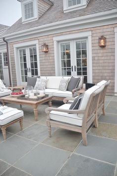HGTV Dream Home 2015 Neutral and classic back patio style. The post HGTV Dream Home 2015 appeared first on Outdoor Diy. Patio Pergola, Patio Seating, Seating Areas, Garden Seating, Pavers Patio, Bluestone Patio, Backyard Patio, Backyard Landscaping, Backyard Furniture