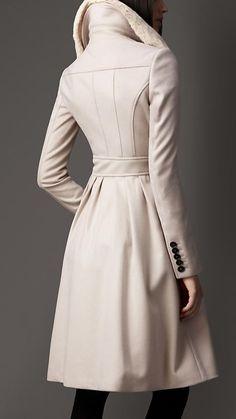 Fur Collar Full Skirt Coat   Burberry