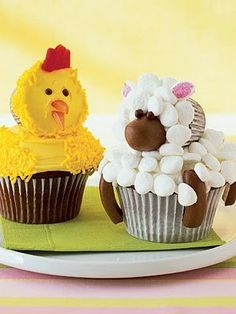 Cute Chick & Lamb Cupcakes for Easter, Edible Easter Crafts for Kids, Easter Party Desserts #2014 #easter #lamb #cupcakes www.loveitsomuch.com