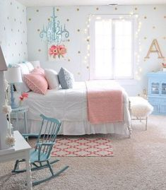 More Girls Bedroom Decor Ideas I'm crazy about being able to decorate my Gil's bedroom and these More Girls Bedroom Decor Ideas are fueling my inspiration & addiction! The post More Girls Bedroom Decor Ideas appeared first on Decor Ideas. Girl Bedroom Designs, Bedroom Themes, Bedroom Colors, Bedroom Styles, Design Bedroom, Small Room Bedroom, Trendy Bedroom, Bedroom Girls, Bed Room