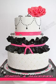 white, black and fuchsia wedding cake... GORGEOUS!!! If i ever have a wedding I want someone to make me this!