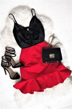 Perfect outfit for a night out! Perfect outfit for a night out! Go Out Outfit Night, Night Out Outfit Clubwear, Night Club Outfits, Party Outfit Night Club, Club Outfits Clubwear, Outfits For Club, Summer Night Outfits, Curvy Outfits, Dressy Outfits
