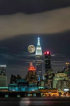 by kirit prajapati NYC Empire State Building - New York, USA Beautiful Moon, Beautiful Places, Amazing Places, Empire State Building, New York City, Foto Poster, I Love Nyc, Ville France, The New Yorker