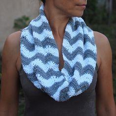 Infinity scarf PDF crochet pattern, chevron circle scarf, zigzag infinity loop cowl, DIY photo tutorial, easyDIY gift