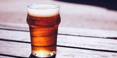 Goed nieuws voor fanatieke bierdrinkers. Wetenschappers melden dat een ingrediënt in bier hersencellen beschermt tegen beschadigingen en mogelijk de ontwikkeling van Alzheimer en Parkinson vertraagt.