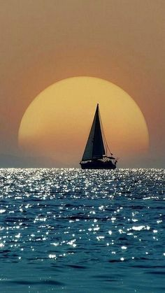 Exciting World Of Sunset Photography – Bored Art – sailboat Beautiful Sunset, Beautiful World, Beautiful Places, Beautiful Pictures, Sunset Photography, Photography Courses, Film Photography, Landscape Photography, Greece Photography