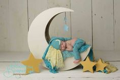 turquoise and yellow moon prop use Newborn Pictures, Maternity Pictures, Baby Pictures, Newborn Photography Poses, Foto Baby, Baby Shower Diapers, Boy Photos, Rainbow Baby, Photographing Babies
