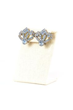 Vintage Sky Blue Rhinestone Clip On Earrings