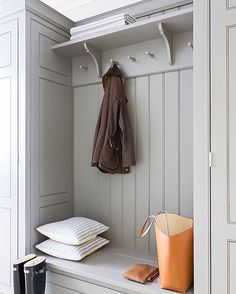 Chic gray mudroom features a gray built-in bench accented with gray wainscoting and beadboard trim lined with an overhead shelf and corbels Chic gray… – Mudroom Boot Room Utility, Hallway Storage, Style Deco, Handmade Kitchens, Built In Bench, Bench Seat, Family Kitchen, Laundry Room Design, Kitchen Design