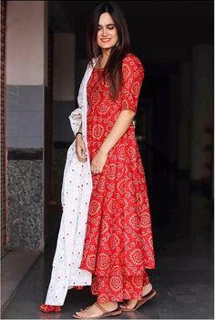Rayon kurti with bottom and duppta Ethnic Beautiful Red Bandej Print kurti with Red plazzo for Girls&Women Pakistani Dresses, Indian Dresses, Indian Outfits, Shadi Dresses, Bride Dresses, Bridesmaid Dresses, Prom Dresses, Kurta Designs Women, Blouse Designs