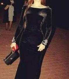 Abaya Fashion, Muslim Fashion, Fashion Dresses, Evening Outfits, Evening Dresses, Black High Waisted Bikini, Choli Blouse Design, Long Dress Patterns, Chic Dress
