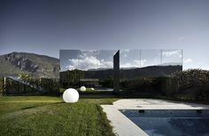 미니멀리스트 주택 by Peter Pichler Architecture