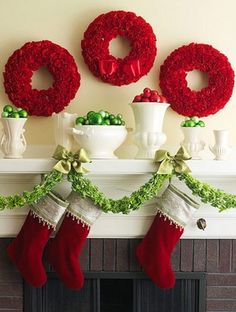 Transform your mantel into a focal point using our 50 Gorgeous Christmas Holiday Mantel Decorating Ideas for easy Christmas decorating. Cheap Christmas, Noel Christmas, Green Christmas, Christmas Colors, Simple Christmas, All Things Christmas, Christmas Palette, Modern Christmas, Country Christmas