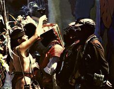 """""""Porque el Zapatismo no es una   ideología no es una doctrina cabal, el Zapatismo es una Intuición..ǃ¿"""" ★ Subcomandante Insurgente Marcos ★  foto: Ana Cihuacoatl recibiendo la caravana          del EZLN en Xochimilco 10 de marzo de 2001 video: http://youtu.be/o4geJ0hVZkk"""