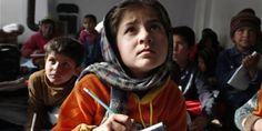 Die Taliban sehen Schulbildung als Gefahr für all das, was sie unterstützen. Gestern erreichten ihre Attacken auf Schulen einen neuen traurigen Höhepunkt. Geben wir jetzt allen Kindern die Chance, zur Schule zu gehen -- im Gedenken an die 132 in Peschawar ermordeten Kinder.