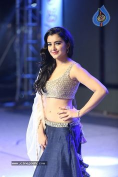 Indian Actress Pics, South Indian Actress Hot, Indian Bollywood Actress, Bollywood Girls, Indian Actresses, Beautiful Girl Photo, Beautiful Girl Indian, Beautiful Hijab, Most Beautiful Bollywood Actress