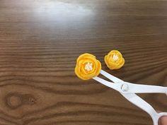 샛노란 프리지어(후리지아, 프리지아)를 만들어보아요- 앙금플라워, 버터크림플라워 꽃짜기 [멜데루케이크] - YouTube