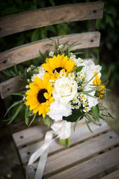 Beautiful and bright yellow sunflower bouquet with white roses and daisies for I. Beautiful and bright yellow sunflower bouquet with white roses and daisies for Italian wedding in t Prom Bouquet, White Wedding Bouquets, Flower Bouquet Wedding, Rose Wedding, Diy Wedding, Wedding Yellow, Trendy Wedding, Wedding Navy, Rustic Wedding