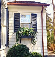 Classic black shutters… Garden, Home and Party: Designer Missi Erw. Classic black shutters… Garden, Home and Party: Designer Missi Erwin - Exterior Paint Colors, Paint Colors For Home, House Colors, Exterior Design, Siding Colors, Navy Shutters, Window Shutters, Window Boxes, Exterior Shutters