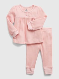 Saw this on Gap: Smocked Baby Clothes, Educational Programs, Smocking, Gap, Crew Neck, Pullover, Knitting, Long Sleeve, Confidence