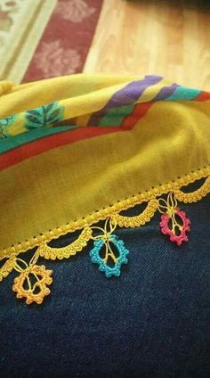 This post was discovered by Bi Angel Crochet Pattern Free, Crochet Borders, Baby Knitting Patterns, Crochet Patterns, Crochet Scarves, Knit Crochet, Saree Kuchu Designs, Saree Tassels, Paper Crafts Origami