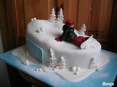 Snowboarder - Snowboarder - Snowboarding iDeas Snowboarding is a sport in. Snowboard Cake, Snow Cake, Retirement Cakes, Sport Cakes, Cookie Do, Eat Dessert First, Cakes And More, Let Them Eat Cake, Manualidades