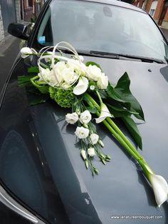 Bride& Cars: Bildbeschreibung Decorate your car at home . Wedding Car Decorations, Wedding Centerpieces, Bridal Car, Lily Wedding, Funeral Flowers, Bride Bouquets, Bridal Flowers, Wedding Designs, Floral Arrangements