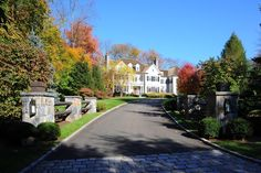 Tour a Renovated Colonial Home in New Canaan, Conn. | HGTV.com's Ultimate House Hunt | HGTV