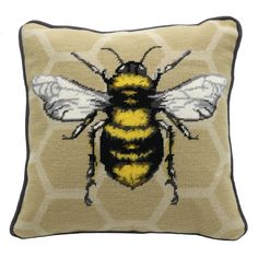 Pomes, Bee Art, Sewing Art, Cross Stitch Embroidery, Painted Rocks, Needlepoint, Embroidery Designs, Art Drawings, Art Projects