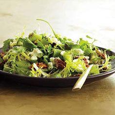 Kiwi, Goat Cheese & Toasted Pecan Salad #glutenfree