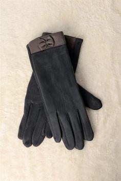 Γυναικεία βελούδινα γάντια με φιογκάκι Fall Winter, Autumn, Winter Collection, Fashion, Moda, Fall Season, Fashion Styles, Fall, Fashion Illustrations