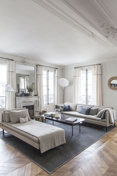〚 French elegance and Scandinavian feel: modern apartment in Paris 〛 ◾ Photos ◾Ideas◾ Design Home, House Styles, Parisian Decor, Modern Apartment, Apartment Design, Parisian Interior, Living Decor, Parisian Apartment Decor, Apartment Decor