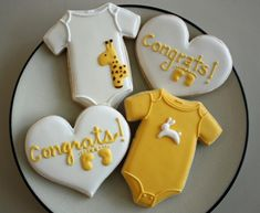 Inspiration for Baby Stang anticipation cookies -j. the giraffe.the bunny.the wee little baby onesies. Fancy Cookies, Cute Cookies, Iced Cookies, Royal Icing Cookies, Cupcake Cookies, Sugar Cookies, Cookie Favors, Flower Cookies, Heart Cookies