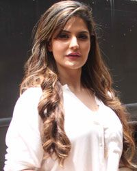 Page # 2 of Zareen Khan image gallery with tons of beautiful pics, photos, stills, images and pictures. Most Beautiful Bollywood Actress, Ileana D'cruz Hot, Zarine Khan, Katrina Kaif Photo, Beautiful Girl Indian, Anushka Sharma, Bollywood Actors, India Beauty, Deepika Padukone