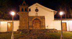Iglesia de San Antonio Cali Colombia, Mansions, Plaza, House Styles, Altar, Bella, Interior, Home Decor, Arch