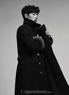 Get Wrapped in Seo Kang Jun's Handsome Looks in 'Esquire' | Koogle TV
