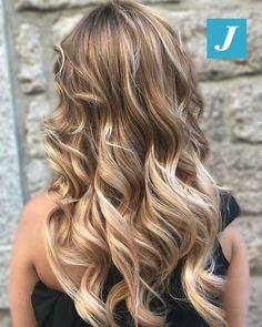 Ad ogni donna il Degrade Joelle che desidera! #cdj #degradejoelle #tagliopuntearia #degradé #igers #musthave #hair #hairstyle #haircolour #longhair #ootd #hairfashion #madeinitaly #wellastudionyc