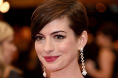 "Anne Hathaway Still ""Feels Shame"" over 2013 Backlash 