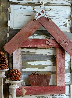 Beyond The Picket Fence: Reclaimed Wood Decor